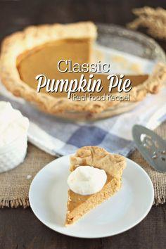 Classic Pumpkin Pie {Real Food Recipe} http://ablossominglife.com/2016/11/classic-pumpkin-pie-real-food-recipe.html