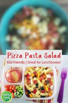 All your favorite pizza toppings, but in a fun make-ahead pasta salad that's perfect for lunchboxes! Full of fresh veggies like tomatoes, peppers and onions, plus cubed cheese, mini pepperoni and olives, this pasta salad is easy to customize with whatever you have on hand or your kids enjoy. Healthy Pasta Dishes, Pizza Pasta Salads, Healthy Pastas, Kids Lunch For School, Healthy School Lunches, Mini Sweet Peppers, Stuffed Sweet Peppers, Pizza Recipes, Cooking Recipes