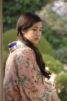 蒼井優 You Aoi Japanese actress Traditional Kimono, Traditional Outfits, Mori Girl, Japanese Kimono, Japanese Girl, Geisha, Japanese Beauty, Asian Beauty, Yu Aoi