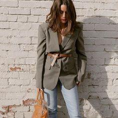 Tibi Belted blazer for spring 2019 #casualwork #workstyle     @www.instagram.com/p/BtTiCUcHS2q/