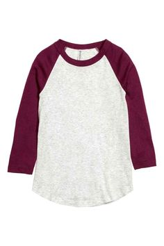Baseball shirt in soft jersey with raglan sleeves in a contrasting colour and a rounded hem. Raglan Shirts, Shirt Blouses, Jersey Shirt, Baseball Sunglasses, White Jersey, Baseball Shirts, Western Outfits, Cool Tees, Long Sleeve Tops
