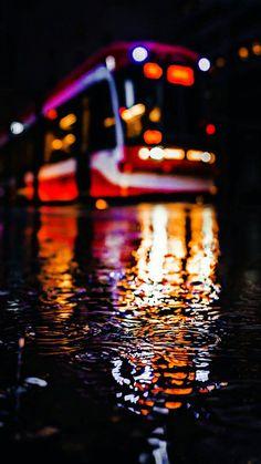Best Street Photography Project Ideas To Get You Going Bokeh Photography, City Photography, Creative Photography, Amazing Photography, Photography Gifts, City Wallpaper, Wallpaper Backgrounds, Iphone Wallpapers, Fotografia Bokeh