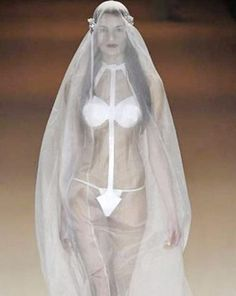 Wedding Dress Ideas , Things You Should Know About The Ugly Wedding Dresses : Ugly Wedding Dresses 013
