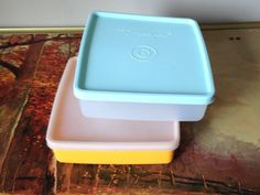 Tupperware sandwich keepers set of two vintage by SpaceModyssey