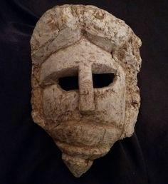 ancien masque old mask bois massif racine loupe époque a identifier 28X20 cms