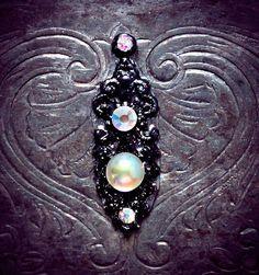 Midnight Bindi, skin gem, fairy, wicca, gothic, fantasy, fae, bellydance, tribal fusian, whimsical, black filigree, bollywood, facial jewel,