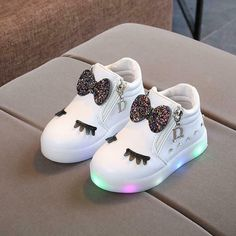 Spring Autumn Cute Baby Sneakers Shoes New Fashion Children Glowing Shoes Princess Bow Girls Led Shoes Baby Sneakers, Girls Sneakers, Shoes Sneakers, Adidas Sneakers, Fashion Kids, Fashion Outfits, Fashion Trends, Cute Baby Shoes, Baby Shoes For Girls