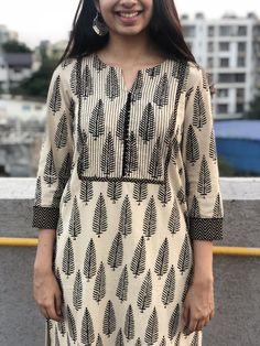 Salwar Neck Designs, New Kurti Designs, Kurta Neck Design, Neck Designs For Suits, Kurta Designs Women, Dress Neck Designs, Kurti Designs Party Wear, Designs For Dresses, Blouse Designs