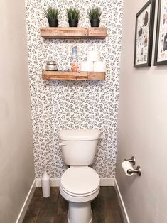 bathroom wallpaper Easily Transform a Small Bathroom with Removable Wallpaper - Little Miss Fearless Toilet Room Decor, Small Toilet Room, Half Bathroom Decor, Downstairs Bathroom, Wall Paper Bathroom, Bathroom Ideas, Wallpaper For Small Bathrooms, Small Half Bathrooms, Comfort Room Tiles Small Bathrooms