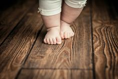 Newborn Baby Stuns Nurse When She Starts 'Walking' Moments After Birth - Jesus Dailycaret-down After Birth, Boho Home, Décor Boho, Parquet Flooring, Floors, Infancy, One Bedroom Apartment, Birthday Messages, Baby Steps