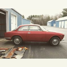 Another one on eBay. Item# 172150182935  great project for a hot rod or a concourso restoration.  Hard to find like this.  #Alfa #alfaromeo #alfagiulia #giuliasprintgtveloce #10536 #drivetastefully #alfaforsale #classiccarsale #stepnose #bertone #gtveloce #forsale #ebay