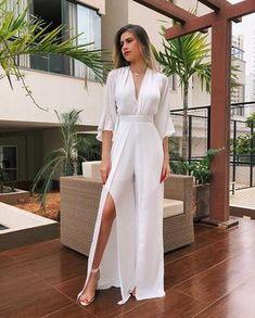 """90537a8c6a L A L E T • por Layza Aguiar on Instagram  """"É perfeição que fala  🤩 • Macacão  pantalona no crepe (bem leve) com fenda R   229"""