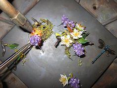 Paul Stankard  ...Assembling glass flowers for the orbs