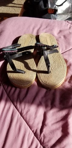 06279dde390d2e Womens Size 7 Tropical Flip Flops New