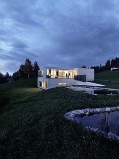 Germann House, in Austria / marte.marte Architekten. © Bruno Helbling