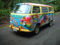 Well done Dancing Bear Grateful Dead  painted Hippie VW Bus ☮ pinned by https://www.soundroyalties.com/