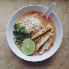 Slow Club Cookery.: Vegan Sriracha-Spiked Miso Ramen.