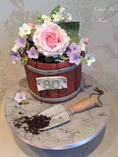 CakesDecor Theme: Watering Cans & Flower Pots - CakesDecor Pretty Cakes, Cute Cakes, Beautiful Cakes, Amazing Cakes, Bolo Floral, Floral Cake, Fondant Cakes, Cupcake Cakes, Bolo Chanel