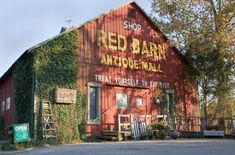 Everyone In Indiana Should Visit This Amazing Antique Barn At Least Once