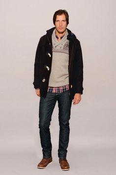 Montgomery Taylor – Art. 32200517  Sweater Perry – Art. 43803217  Camisa Carlos – Art. 31054517  Slim Fit Luxury 702 – Art. 32470215  Nautico Harry – Art. 30901617