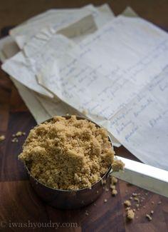 Fluffy Brown Sugar Icing {Pats Recipes}