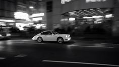 Porsche 964 in Hong Kong night rush