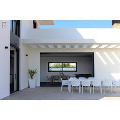 "163 Me gusta, 3 comentarios - Puchol Arquitectes Estudi (@estudipucholarquitectes) en Instagram: ""Casa Cal-Cària - Imagen Exterior / Imatge Exterior    Cal-Cària House - Exterior Image #sun #shadow…"""