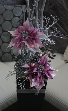1 million+ Stunning Free Images to Use Anywhere Christmas Flower Decorations, Christmas Arrangements, Christmas Centerpieces, Christmas Tree Toppers, Pink Christmas, All Things Christmas, Christmas Time, Christmas Wreaths, Christmas Crafts