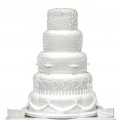 Looking for tips on the perfect wedding cake? We have the inside knowledge to making the right choice!