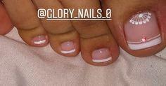 Pedicure Designs, Toe Nail Designs, Toe Nail Art, Toe Nails, Manicure And Pedicure, Barbie, Gold Nails, Designed Nails, Toenails Painted