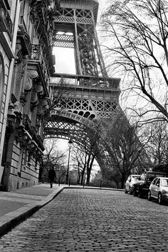 Paris Tour Eiffel Eiffelturm Paris Tour Eiffel Eiffelturm The post Paris Tour Eiffel Eiffelturm appeared first on Home decor. Black And White Picture Wall, Black And White Pictures, Paris Black And White, Photo Tour Eiffel, Paris Wallpaper, Beautiful Paris, Beautiful Things, Paris Images, Black And White Aesthetic