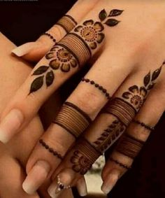 Simple Mehndi Designs Fingers, Henna Tattoo Designs Simple, Khafif Mehndi Design, Latest Bridal Mehndi Designs, Back Hand Mehndi Designs, Finger Henna Designs, Full Hand Mehndi Designs, Mehndi Designs For Beginners, Mehndi Designs For Girls