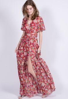 Maxi robe fleurie ba amp sh. Cette robe vaporeuse en soie se pare de fils 3b066020b31