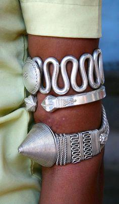 India | Details; woman's armlets. Gujarat | ©Rudi Roels.