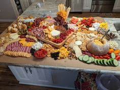 Appetizer Recipes, Appetizers, Charcuterie And Cheese Board, Grazing Tables, Food Platters, Dairy Free Recipes, Gluten Free, Small Plates, Food Videos