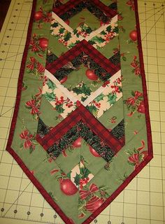 What to do with scraps left over from your quilting projects? Well, you can cut them into strips and use them in a variety of projects. Th...