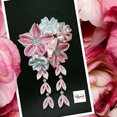 Kanzashi - Inspirado em flores de Sakura Nov 6, Kanzashi, Hairpin, Japan, Instagram Posts, Hair Barrettes, Hair Decorations, Flowers, Japanese Dishes