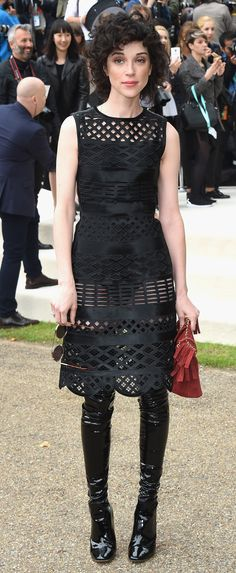 St Vincent wearing S/S16 collection to the Burberry show - Love!!!
