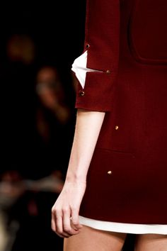 Slash and puff sleeve detail at Marios Schwab, Fall 2013 #LFW