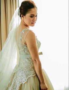 lovin' the back detail Our Wedding, Dream Wedding, Back Details, First Love, How To Memorize Things, Guys, Wedding Dresses, Fashion, Bride Dresses
