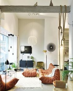 ADAM | I love the style of @mobilia_interior They did a great job again with this Togo sofa by @ligneroset #bintihome #bintihomeamsterdam #ligneroset #mobilia #amsterdam #style #togosofa #design #interior #living #bohemian #style #decor #store #shop #conceptstore #mustvisit #leather #stylist