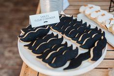 Déco moustache avec des biscuits