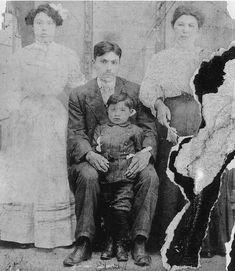Edward Collinson with his wife Emma Collinson and their family - Haida - circa 1900 — mit Jaada Hlgaa und Sylvia Alvina.