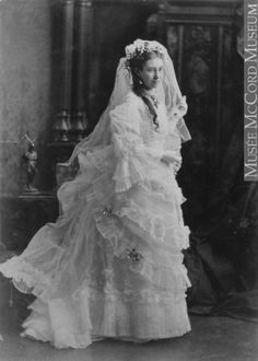 1876 photo of Mrs. Jackson, Montreal, Quebec City, in her wedding gown. Funny Wedding Photos, Vintage Wedding Photos, Vintage Bridal, Wedding Pics, Wedding Bride, Wedding Styles, Wedding Gowns, Vintage Weddings, Wedding Shot