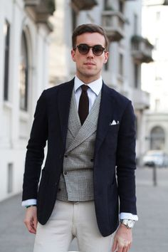 Everybody loves Suits : I love three pieces where nothing matches. The...