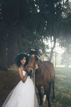[Styled Shoot] Ispirazione per matrimonio country chic - Breathtaking, Stunning and Beautiful Wedding & After dresses - World Travel Chic Wedding, Wedding Styles, Dream Wedding, Wedding Day, Natural Hair Wedding, Natural Hair Brides, Curly Bridal Hair, Pelo Natural, Black Bride