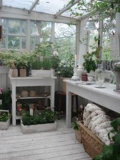 kärleken till fransk inredning - honning og flora - potting shed - potting bench