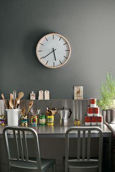 Benjamin Moore Colour Trends 2014 - Wall: flint AF-560 Aura Matte_ for lovingroom
