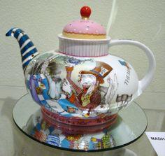 http://apatnsw.files.wordpress.com/2011/02/dsc03816.jpg was at Ipat porcelain