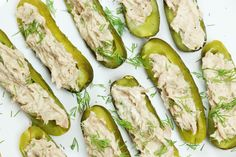 Low-Carb Keto Tuna Pickle Boats - http://www.forkly.com/recipes/low-carb-keto-tuna-pickle-boats/